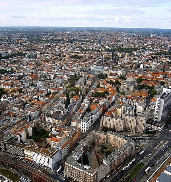 ドイツ・ベルリンでの賃貸物件の探し方:学生寮を1か月で退去することに!寮の問題点と、掲示板の注意点