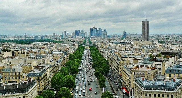 フランス・パリの賃貸物件の探し方:語学学校の寮に入居後、ルームメイトとの関係が悪化し退去