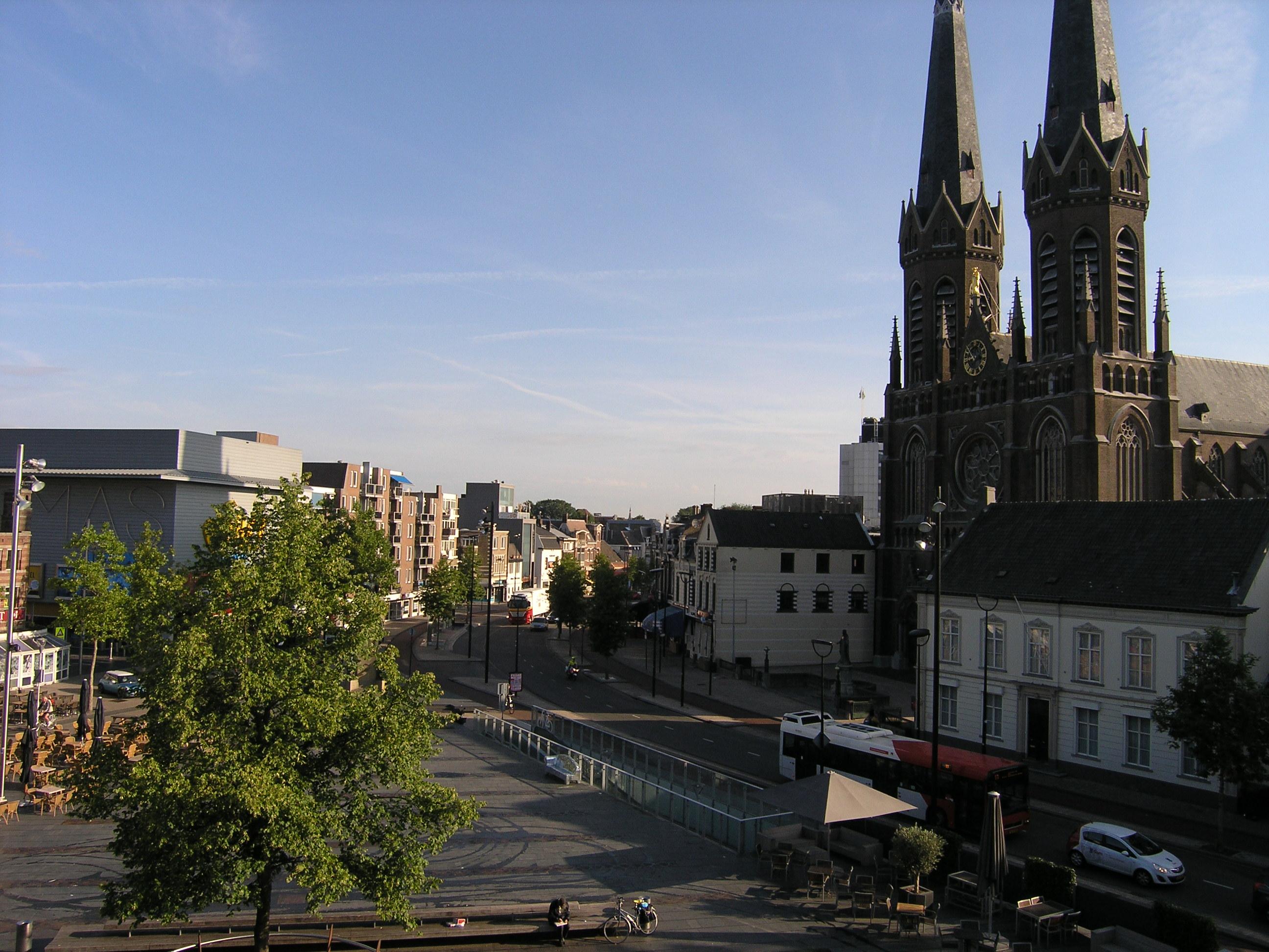 オランダ:ティルブルグ大学